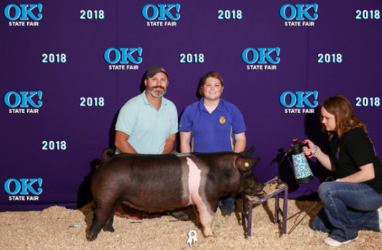 Raven Smith at the State Fair with her class winning gilt