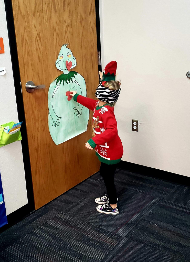 Pin the heart on the grinch