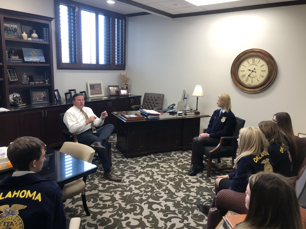 Senator Paxton explaining some issues with our FFA officers